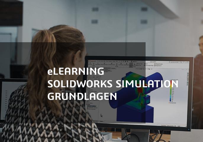 Frau vor Bildschirm mit Solidworks Simulation